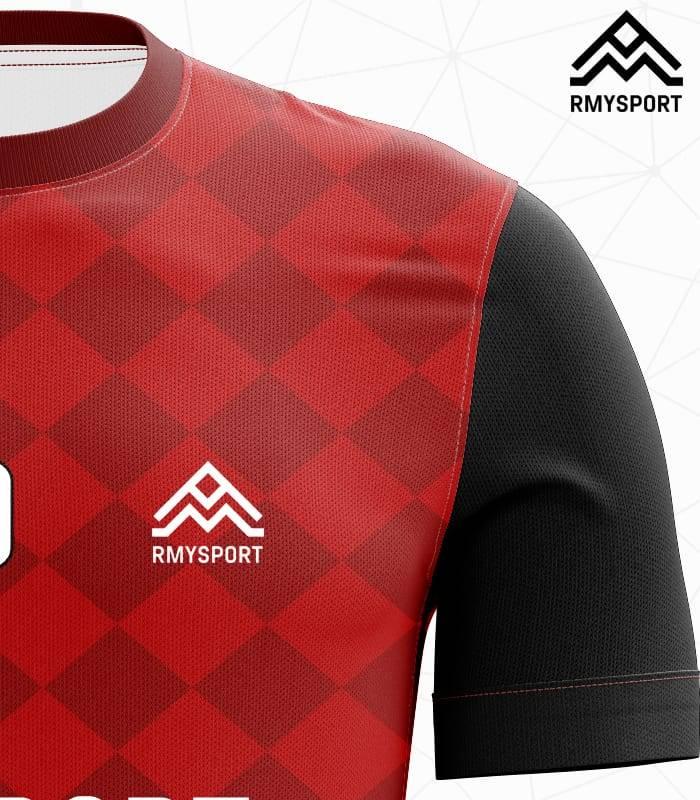 RM110 Damalı Futbol Forması Yakın çekim
