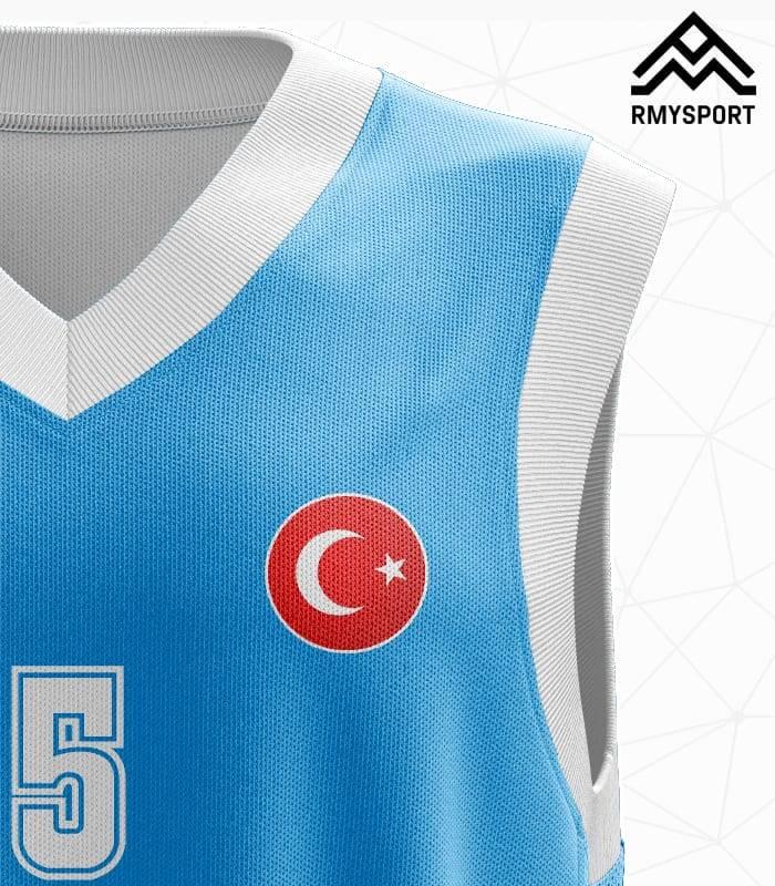 Mavi Beyaz Basketbol Forması Yakın Görünüş